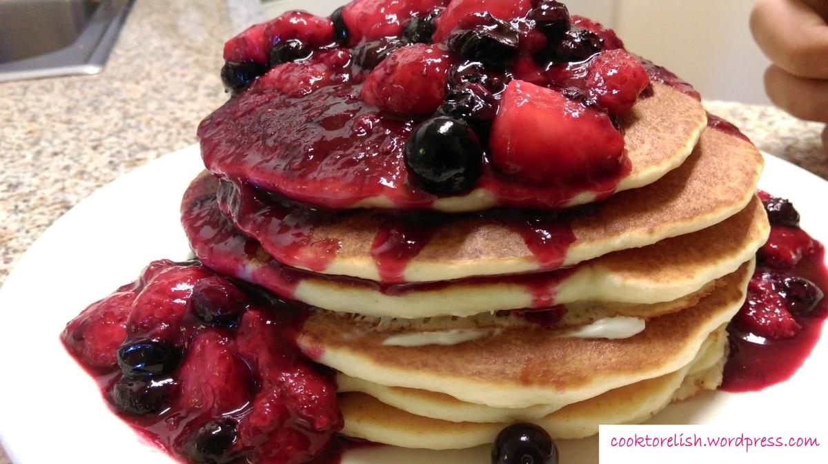 Pancakes with berry glaze|cooktorelish.wordpress.com